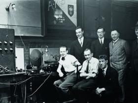 耳机的基本类型及工作原理探索